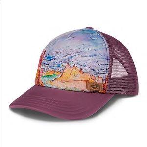 North Face Renan Trucker Hat